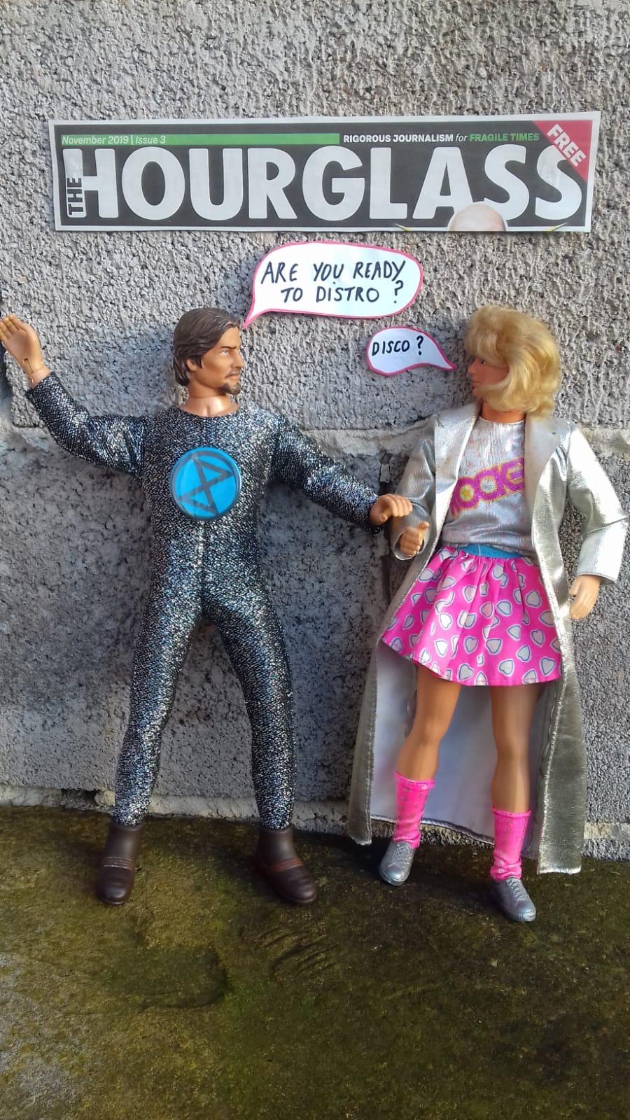 the hourglass disco dolls